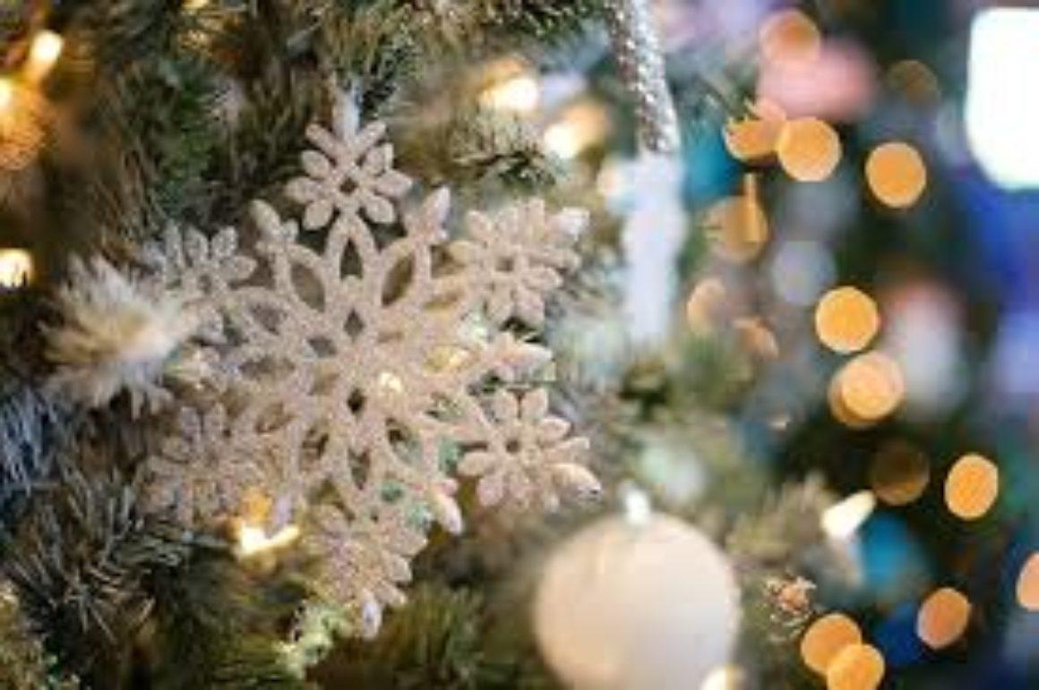 God Jul och Gott Nytt önskar vi våra kunder och leverantörer!